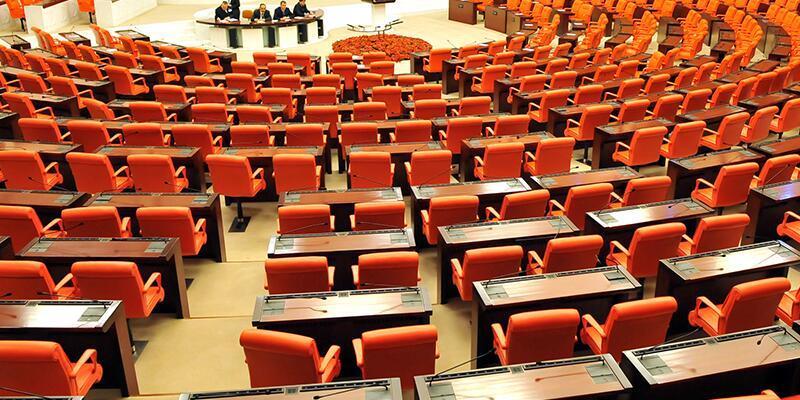 9. ve 10. madde 343 oyla kabul edildi
