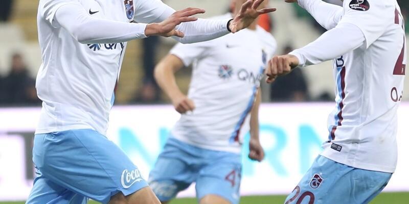 Fırtına 10 kişiyle esti... Bursaspor - Trabzonspor: 1-2
