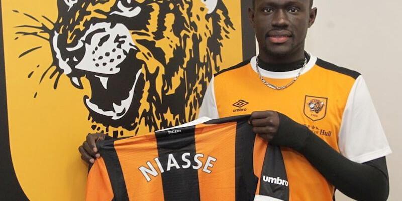 Oumar Niasse kiralık olarak gitti