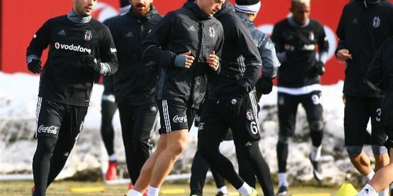Beşiktaş 2017'nin ilk resmi maçına çıkıyor