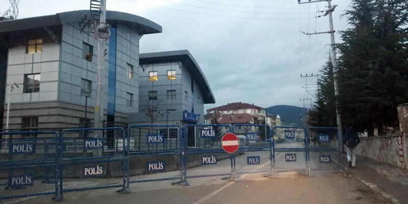 Bolu Emniyet Müdürlüğü çevresindeki yollar kapatıldı
