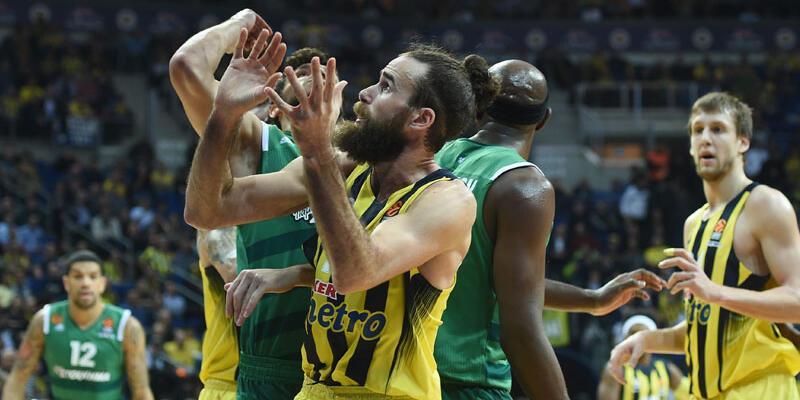 Fenerbahçe Panathinaikos'u İzmir Marşı'yla gönderdi