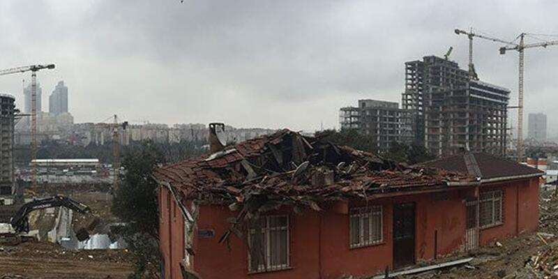 Fikirtepe'de evini boşaltmayan ailenin başına gelmeyen kalmadı