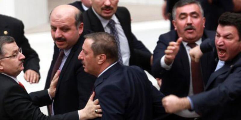 Meclis'te 'bakan pazarlığı' kavgası çıktı