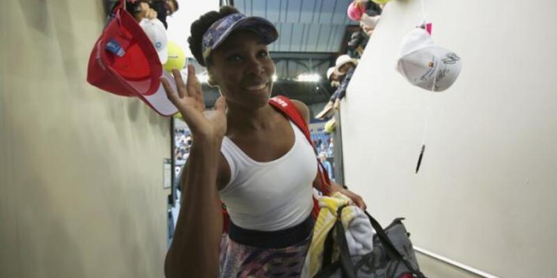 Venus Williams'ın oyununu yorumlarken 'goril' diyen yorumcu görevinden alındı