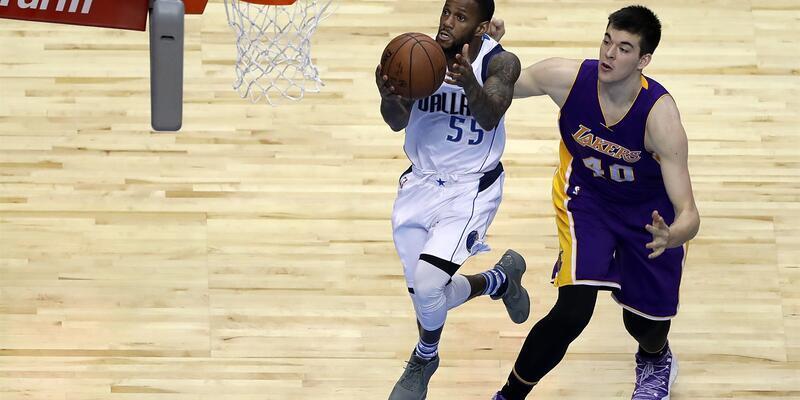 Lakers 49 sayı fark yedi