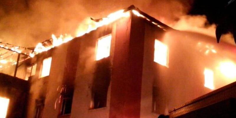 12 kişinin öldüğü yangında tahliyeler