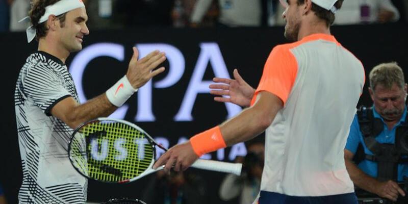 Roger Federer adını yarı finale yazdırdı