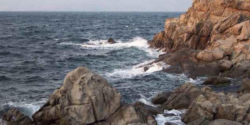 Kayıp kadın intihar ettiği şüphesiyle denizde aranıyor