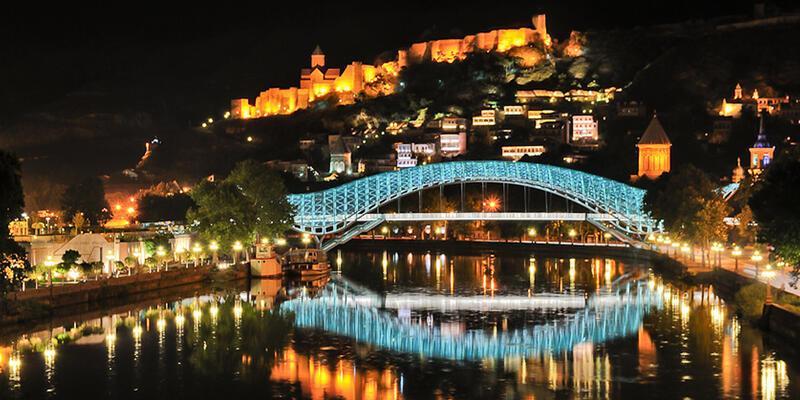 Gürcistan vatandaşlarının AB'ye vizesiz seyahat dönemi başlıyor