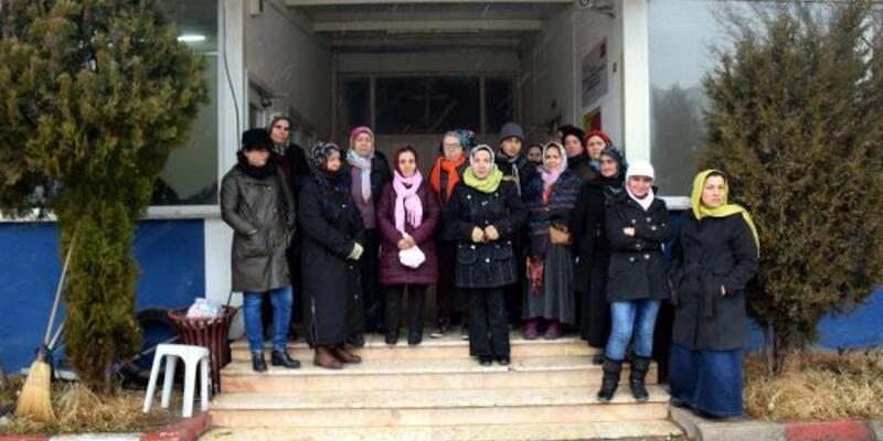 Ücret alamayan tekstil işçileri eylem yaptı
