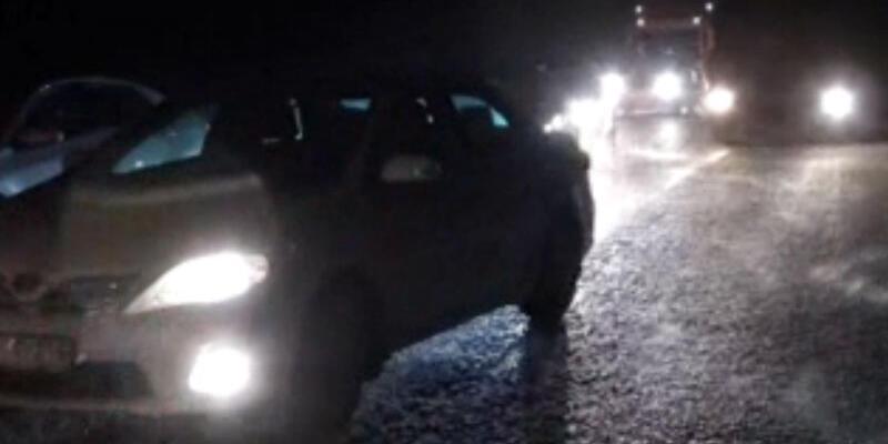 Şanlıurfa- Diyarbakır karayolunda araçlar mahsur kaldı