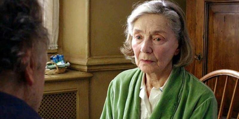 Ünlü oyuncu Emmanuelle Riva yaşamını yitirdi