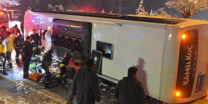 Otobüs devrildi: 2 ölü