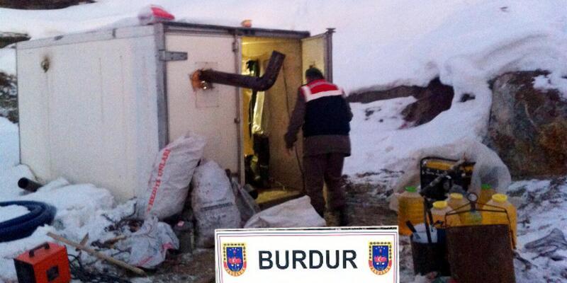 Jandarma 'Kalenin Gediğini' kazanları suçüstü yakaladı