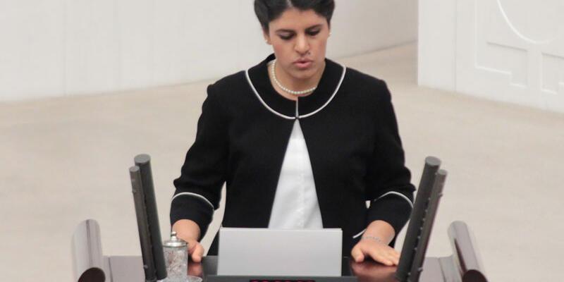 Dilek Öcalan için yakalama kararı çıkartıldı