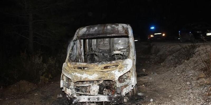 Antalya'da şoförünü ormanda bağlayıp sigara dağıtım aracını yaktılar