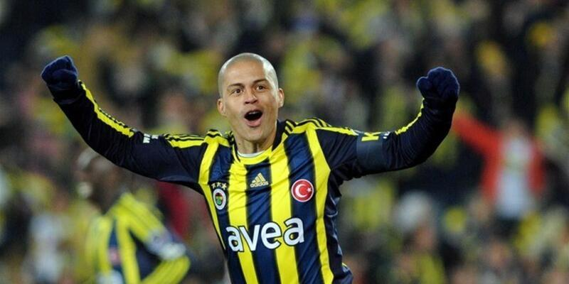 Alex de Souza ilk frikik golünü Taffarel'e atmış
