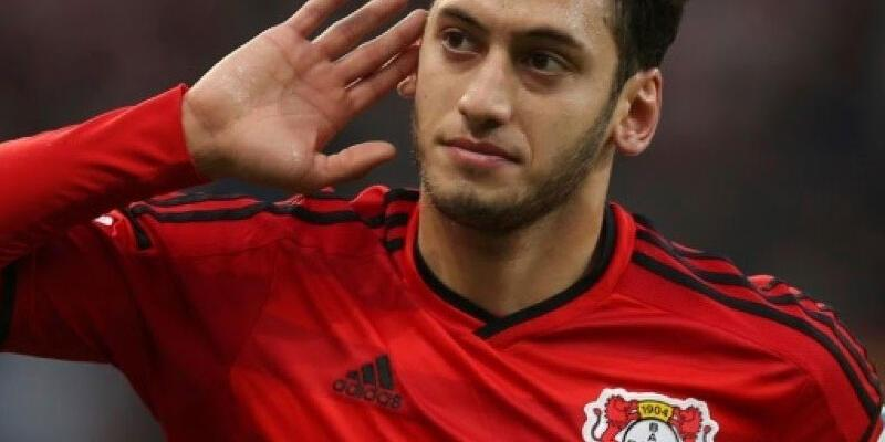 Bayer Leverkusen'den Hakan Çalhanoğlu açıklaması