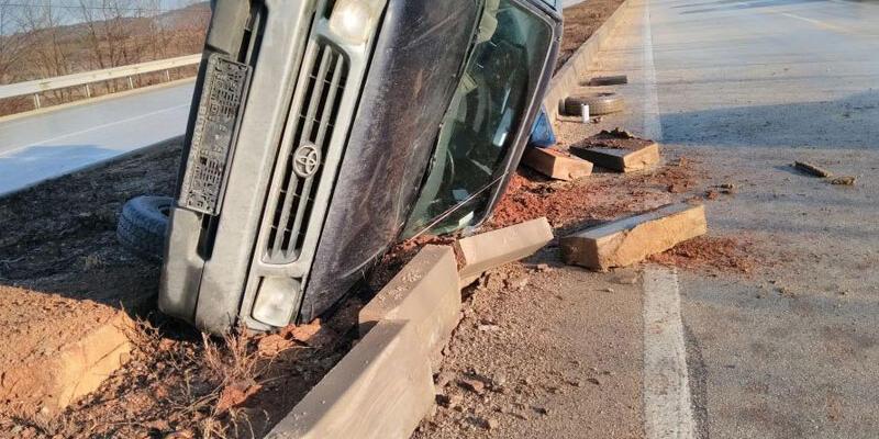 Kastamonu'da kamyon takla attı: 1 yaralı
