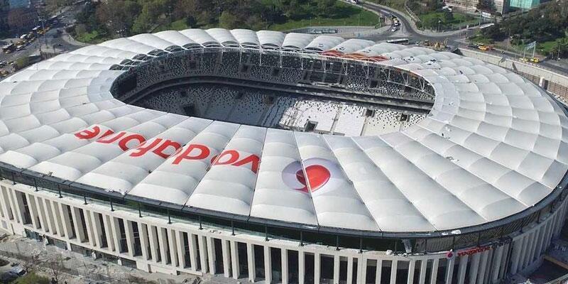 Bir gece önceden Vodafone Arena'ya tırmanmışlar