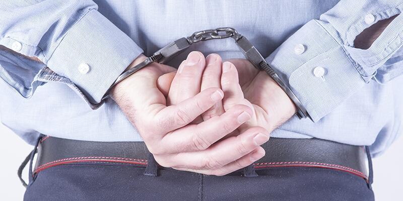9 öğretmen FETÖ'den tutuklandı