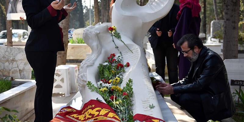 Özgecan Aslan ölümünün ikinci yılında mezarı başında anıldı