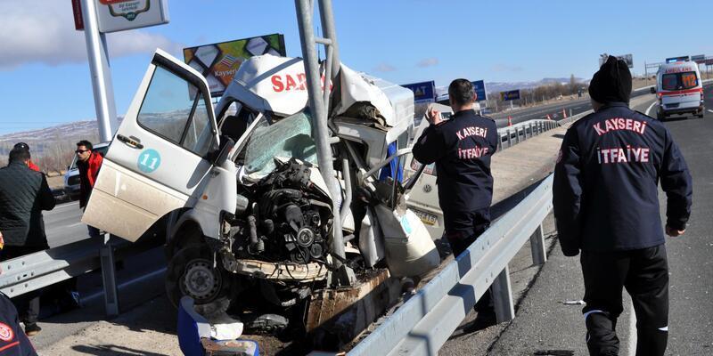 Kayseri'de feci kaza: 3 ölü, 8 yaralı
