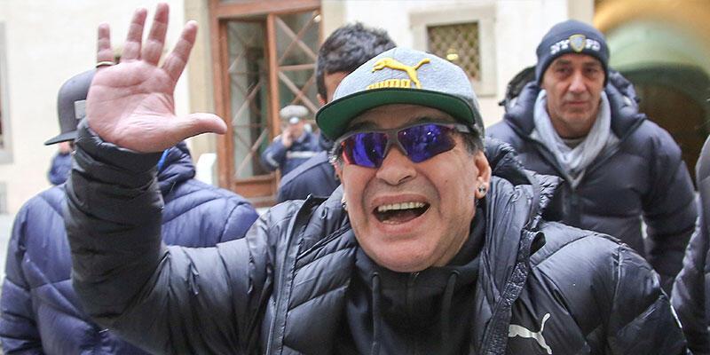 Diego Armando Maradona'ya otelde baskın