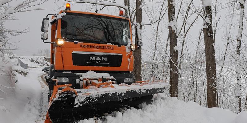Trabzon'da kar uçuşları aksattı