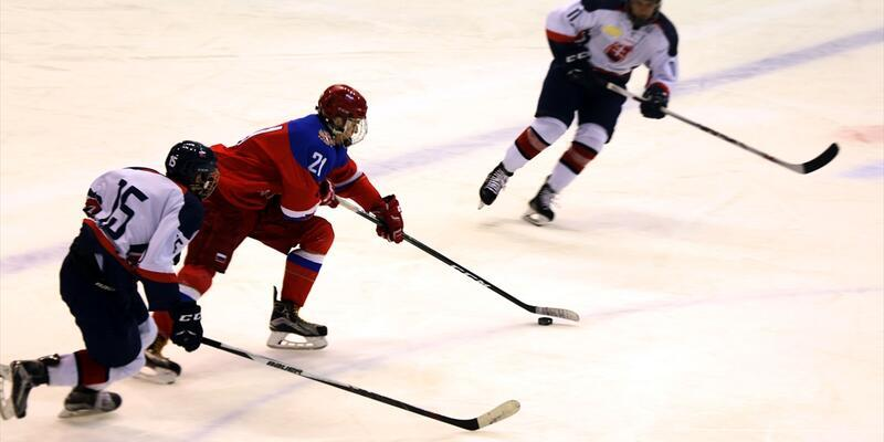 Buz hokeyinde gergin maçta Rusya kazandı: 4-2
