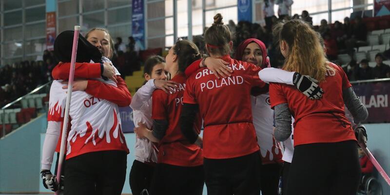Polonya'yı süpüren Türkiye curling'de finalde