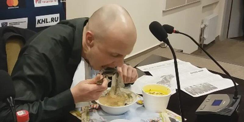 İddia kaybeden gazeteci, gazeteyi yedi