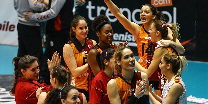 Voleybol derbisinde kazanan Galatasaray oldu