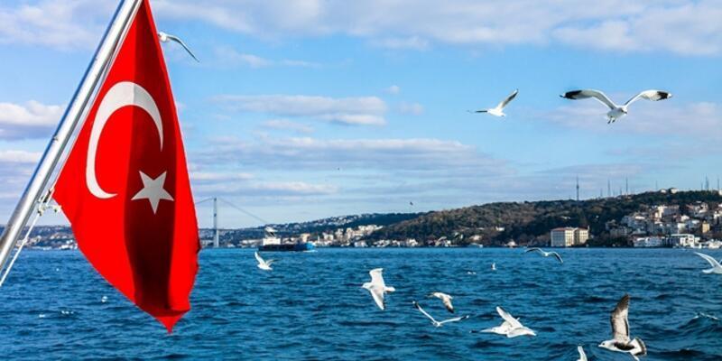 Türk bayrağı olmayan tekneye marina da yok