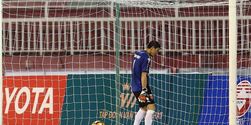 Penaltıyı protesto eden takıma ceza yağdı