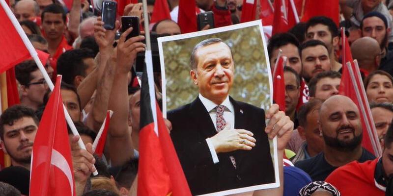 Almanya Erdoğan'ın mitingini tartışıyor