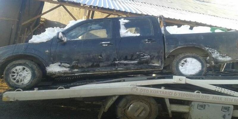 Hakkari'de teröristlerce gasbedilen araç ele geçirildi