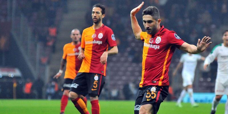 Sabri Sarıoğlu 350. kez forma bekliyor
