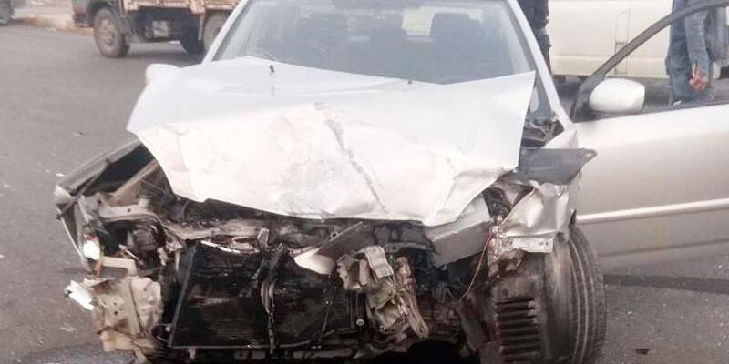 İşçi servisi ile otomobil çarpıştı: 1 ölü 3 yaralı