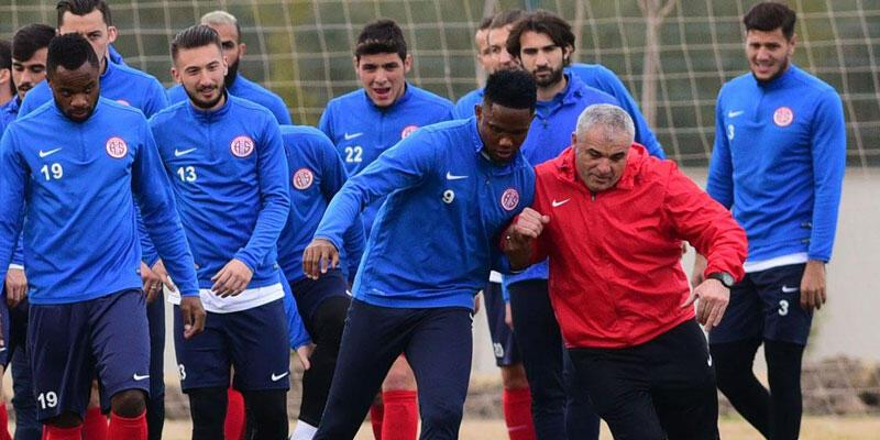 Antalyaspor Galatasaray'a hazırlanıyor