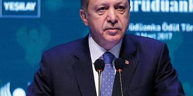 Cumhurbaşkanı Erdoğan: Birisini sigara içerken gördüğümde yanına yaklaşıyorum