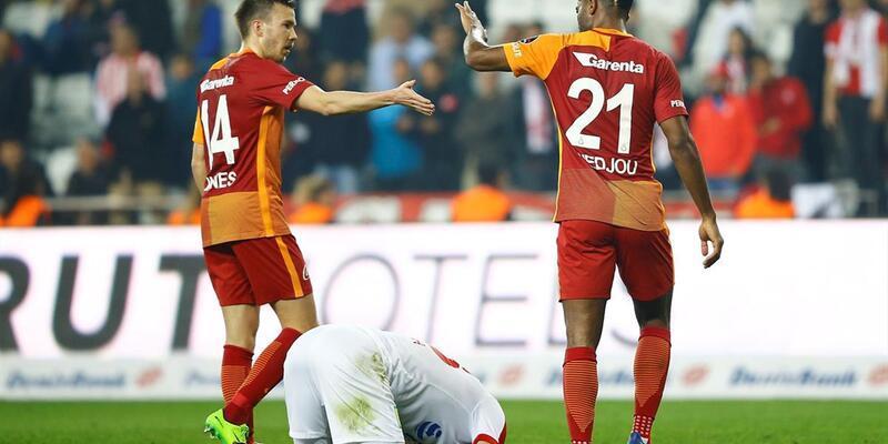 Galatasaray'da iki terslik daha: Semih yok, Chedjou şüpheli