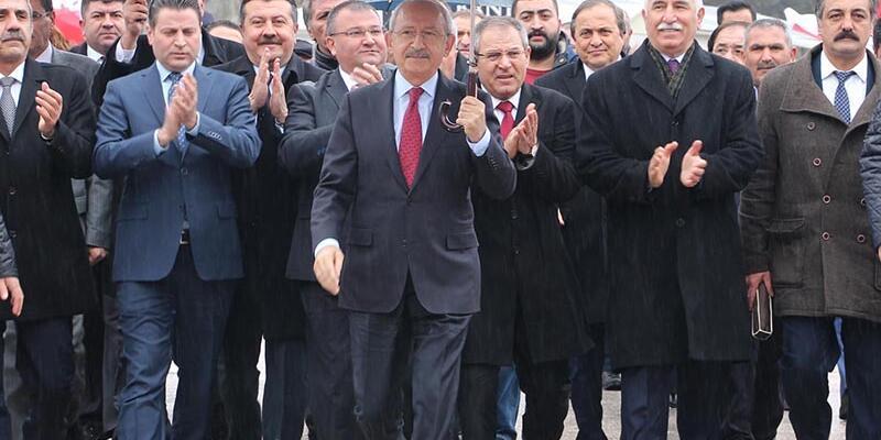Kılıçdaroğlu'ndan Alevi dedesinin ailesine taziye ziyareti