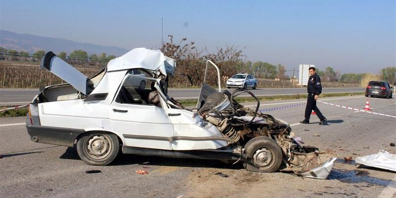 Manisa'da trafik faciası: 3 ölü