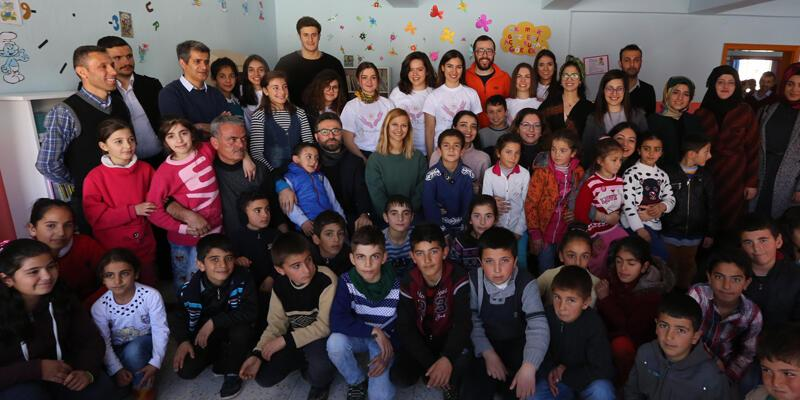 Yarına Umut Ol ekibinden çocukların hayal gücüne destek