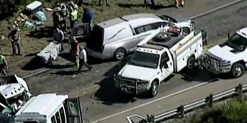ABD'de korkunç kaza: 12 ölü, 3 yaralı