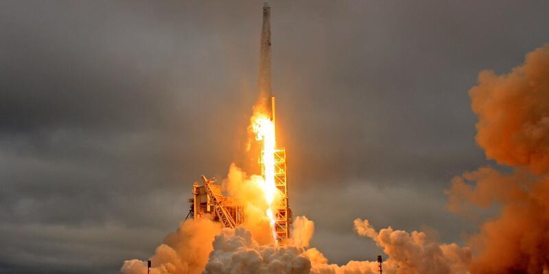 Uzaya kullanılmış roket fırlattılar