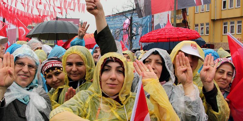 Erdoğan mitinginde 1800 lirasını kaptırdı