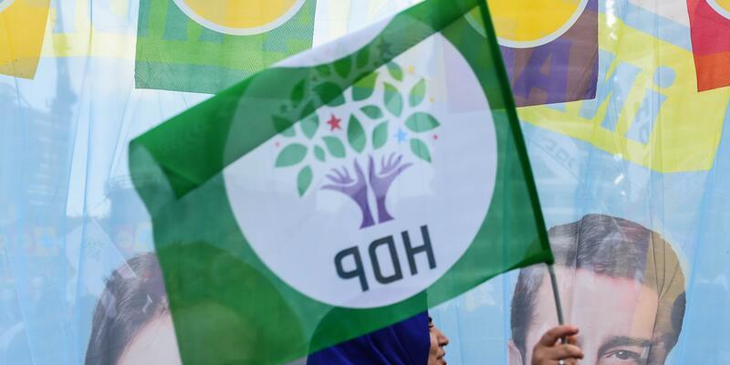 HDP de referandumun iptali için YSK'ya gitti